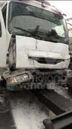RIVOLI - Caos in tangenziale dopo il tamponamento fra tre mezzi: una persona ferita - immagine 4