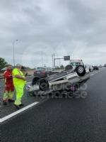 CAOS IN TANGENZIALE - Raffica di incidenti: due auto ribaltate e tre feriti - immagine 10