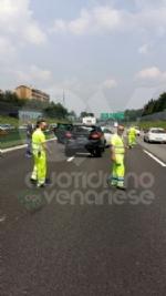 PIANEZZA-COLLEGNO - Maxi tamponamento in tangenziale: cinque auto coinvolte, un ferito - immagine 4