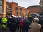 RIVOLI - Laddio a Massimiliano Pirrazzo: una folla commossa in chiesa per lultimo saluto - FOTO - immagine 4