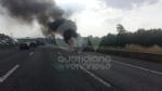 COLLEGNO - Furgone va a fuoco in tangenziale, e il traffico va in tilt - immagine 4