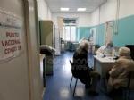 RIVOLI-COLLEGNO - Siamo tutti Silla Bovo: a 100 anni si vaccina per dire «stop» al Covid - FOTO - immagine 4