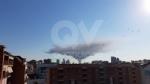 INCENDIO A SETTIMO - A fuoco una ditta, colonna di fumo visibile anche dalla tangenziale FOTO - immagine 4