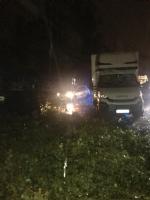 MALTEMPO - Furgone colpito da un albero in tangenziale: donna ferita. Forti danni in diverse cittadine - immagine 4