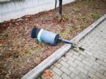 BORGARO - Idioti in azione: divelti i cestini, in frantumi una fermata del bus - immagine 4