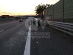 COLLEGNO-PIANEZZA - Incidente in tangenziale: donna ferita dopo lo scontro fra due auto - immagine 4