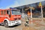 BORGARO-VILLARETTO - Azienda agricola in fiamme: bruciate 400 rotoballe di fieno - immagine 7