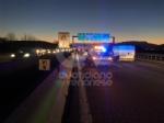 COLLEGNO - Tamponamento in tangenziale: tre auto coinvolte e quattro feriti - FOTO - immagine 4