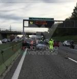 COLLEGNO - Incidente stradale sulla tangenziale nord di Torino: tre feriti in ospedale - FOTO - immagine 4