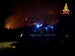 VAL DELLA TORRE - Incendio boschivo: riprese le operazioni, la preoccupazione non diminuisce - immagine 5
