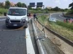 INCIDENTE IN TANGENZIALE - Scontro fra tre auto: coppia di Grugliasco finisce in ospedale - immagine 5