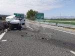 TORINO-CASELLE - Furgone finisce contro le barriere in cemento: un ferito e disagi in tangenziale - immagine 5