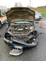 VENARIA - Pauroso incidente: auto finisce contro i jersey in cemento, ferito venariese del 98 - immagine 5