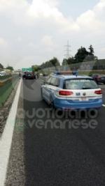 PIANEZZA-COLLEGNO - Maxi tamponamento in tangenziale: cinque auto coinvolte, un ferito - immagine 5