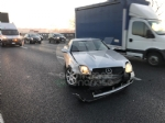 COLLEGNO - Tre mezzi si scontrano in tangenziale: un ferito e traffico paralizzato - immagine 5