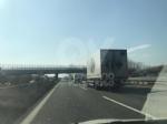 TORINO-BORGARO - Tir prende improvvisamente fuoco in tangenziale - immagine 5