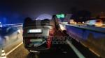 INCIDENTE IN TANGENZIALE - Scontro fra tre auto: una si ribalta, una persona ferita FOTO - immagine 5