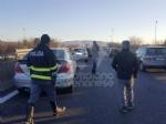 INCIDENTE SULLA TORINO-CASELLE - Camion si ribalta: tre feriti, caos e code sul raccordo - FOTO - immagine 5