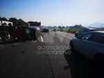 TANGENZIALE NORD TORINO - Scontro allo svincolo di Savonera, traffico in tilt. Auto ruote allaria sulla terza corsia - FOTO - immagine 5