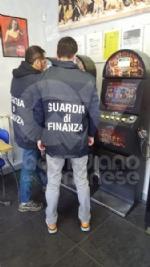 ALPIGNANO - Raid vandalici alla biblioteca: denunciati tre giovani da municipale e Finanza - immagine 5