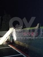 CAFASSE-VENARIA - Maltempo: scoperchiata la scuola media. Crolla il controsoffitto di una casa - immagine 5