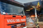 BORGARO-VILLARETTO - Azienda agricola in fiamme: bruciate 400 rotoballe di fieno - immagine 8
