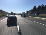 COLLEGNO - Incidente in tangenziale: tre auto coinvolte, una ribaltata e tre feriti - immagine 5