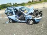 CAOS IN TANGENZIALE - Scontro fra auto, furgone e camion: tre feriti e code chilometriche - immagine 5