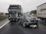 INCIDENTE IN TANGENZIALE - Due auto si scontrano per colpa della pioggia: un ferito - immagine 6
