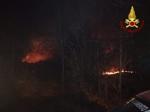 VAL DELLA TORRE - Incendio boschivo: riprese le operazioni, la preoccupazione non diminuisce - immagine 6