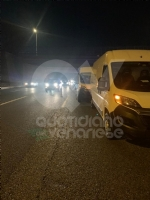 VENARIA - Tamponamento in tangenziale tra unauto e tre furgoni: una donna ferita - FOTO - immagine 6