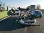 COLLEGNO - Si ribalta con la 500 in tangenziale: ferito 23enne di Collegno - immagine 6
