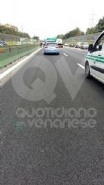 PIANEZZA-COLLEGNO - Maxi tamponamento in tangenziale: cinque auto coinvolte, un ferito - immagine 6