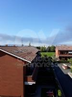 INCENDIO A SETTIMO - A fuoco una ditta, colonna di fumo visibile anche dalla tangenziale FOTO - immagine 6