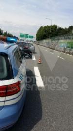 RIVOLI - Doppio incidente in tangenziale: sei auto coinvolte e cinque persone rimaste ferite - immagine 6