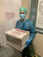 VENARIA-TORINO - Pizze e calzoni per medici e infermieri impegnati nel curare i malati di Coronavirus - immagine 6