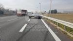 CASELLE-BORGARO - Paura in tangenziale: scontro fra due auto, una finisce fuori strada. Due feriti - immagine 6