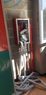 COLLEGNO - Idioti scaricano acqua ed estintori nelle aule della scuola: danni alla Gramsci - FOTO - immagine 6