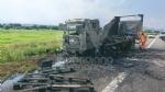 RIVOLI  - Il camioncino va a fuoco, la tangenziale in tilt: code chilometriche - immagine 6