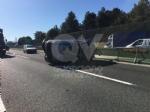 COLLEGNO - Incidente in tangenziale: tre auto coinvolte, una ribaltata e tre feriti - immagine 6
