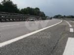 RIVOLI - Perde il controllo dello scooter e finisce contro il guard-rail e poi a terra: ferito - immagine 6