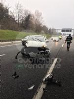COLLEGNO - Scontro fra tre mezzi in tangenziale: una donna rimane ferita - immagine 6