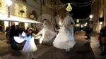 VENARIA - Il grande cervo in piazza Annunziata è stato illuminato: il Natale è iniziato in città - immagine 6