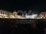 VENARIA - Tante «sardine» venariesi alla manifestazione di questa sera in piazza Castello - immagine 7