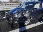 VENARIA - Incidente in tangenziale: due auto coinvolte e cinque feriti - immagine 7