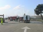 TORINO-BORGARO - Tir prende improvvisamente fuoco in tangenziale - immagine 7