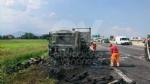 RIVOLI  - Il camioncino va a fuoco, la tangenziale in tilt: code chilometriche - immagine 7