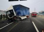 RIVOLI - Incidente in tangenziale: ferito autotrasportatore. Caos e lunghe code - FOTO - immagine 7