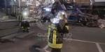 BORGARO - CROLLA IL PONTEGGIO DI UN PALAZZO: ATTIMI DI TERRORE IN VIA INGHILTERRA - FOTO - immagine 7