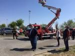 RIVOLI - Il «grazie» di Comune, forze dellordine, associazioni e pompieri al personale sanitario - FOTO E VIDEO - immagine 8